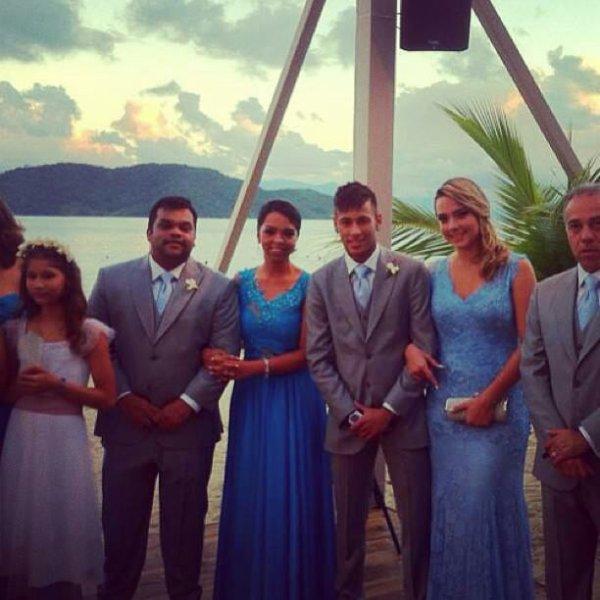 Carolina et Neymar .... au mariage de Ganso !!