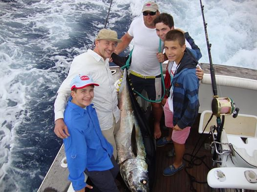 Report of the 6 july 2014 --------------------------------Today,it was Anthony's family coming a part from germany and a part from Belgium fishing on Brasilia with a special team Luis ,Luis and Louis.Thomas ,17 years old does a nice job on a bigeye of 200lbs. Thank you all fishing with us.