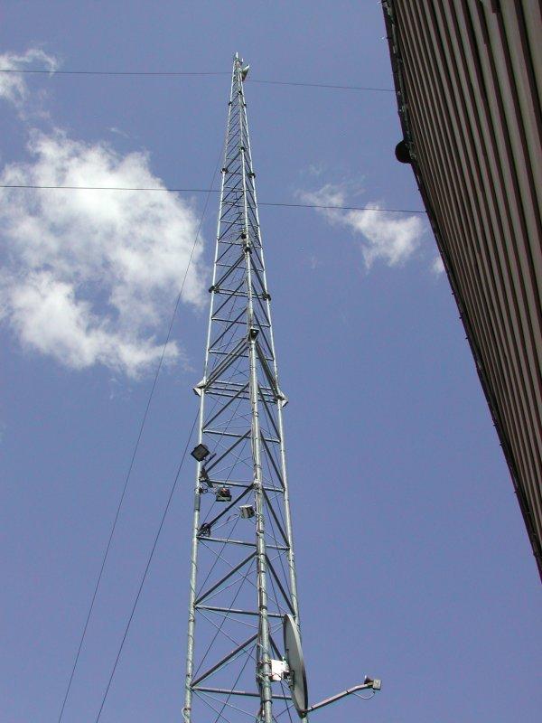 Pont hertzien de Radio Puisaleine 100.9 - 92.5 - 99.1 Mhz FM STEREO