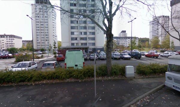 Des tours et des barres du Quartier des Fontaines, Tours.