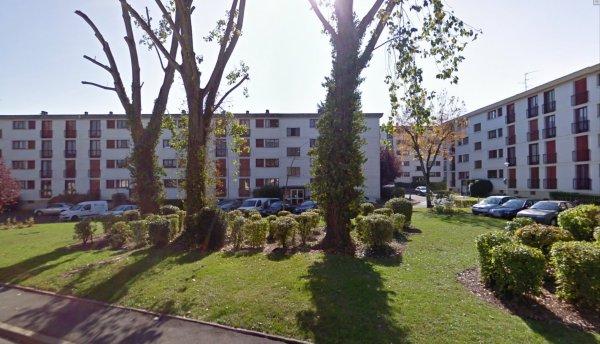 Les barres de la Cité du Morier, Joué Les tours.