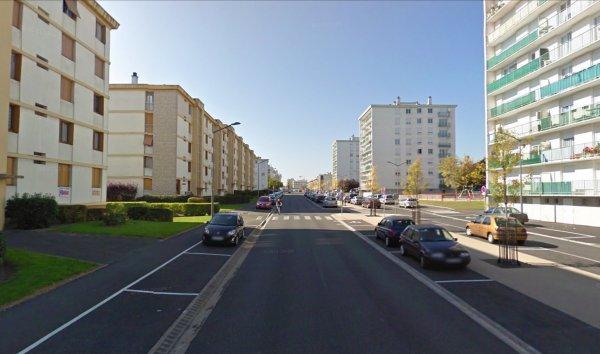 Un boulevard de la Cité du Morier, Joué les Tours.