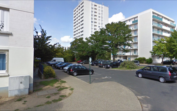 Au coeur de la Cité Niqueux-Bruère, La Riche.