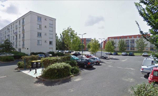 Des barres de la Cité Niqueux-Bruère, La Riche.