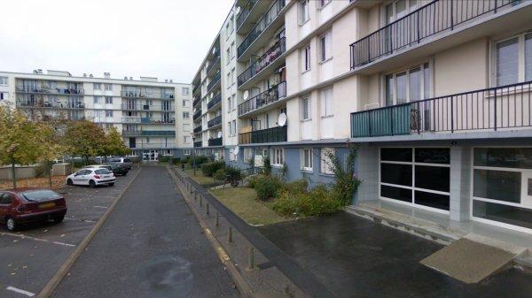 Un Bloc de la Cité des Rives du Cher, Tours.