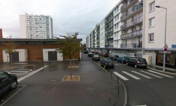 Tour et des barre de la Cité des Rives du Cher, Tours.