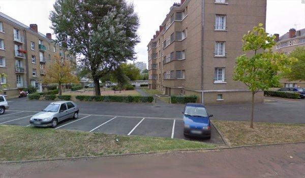 Des blocs de la cité du Cheval Blanc, Saint Pierre des Corps.