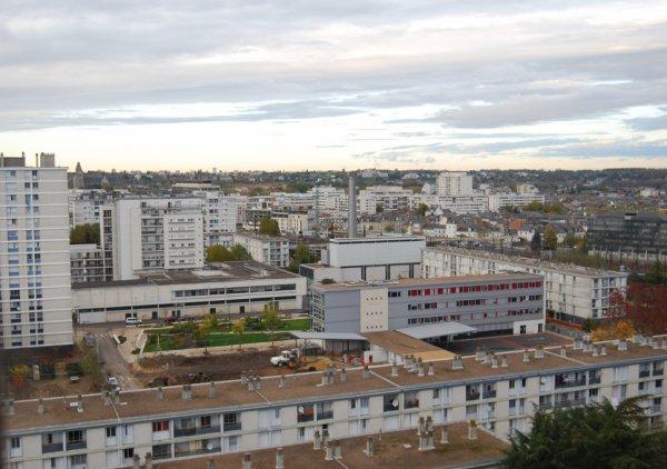 Vue aérienne d'une partie du Quartier du Sanitas, Tours.