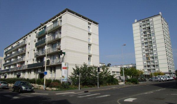 La Cité Maryse Bastié (Tours).