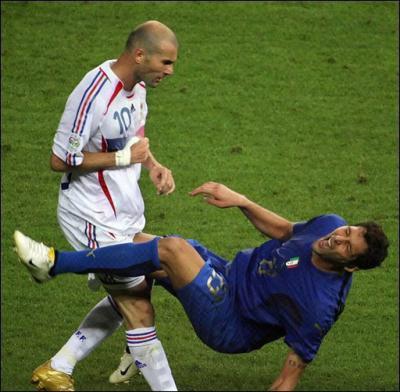 Coupe du monde 2006 : finale France-Italie.     ( # Posté le dimanche 20 avril 2008 18:50 )
