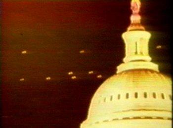 A votre avis, les OVNIS nous surveillent-ils ?
