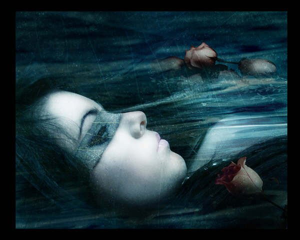 La nostalgie est un chagrin pas nécessairement triste....Il peut être aussi une sorte de porte de sortie au moment morose de tous les jours.....