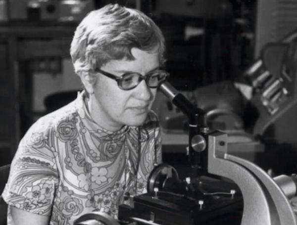 Véra Rubin (née en 1928)
