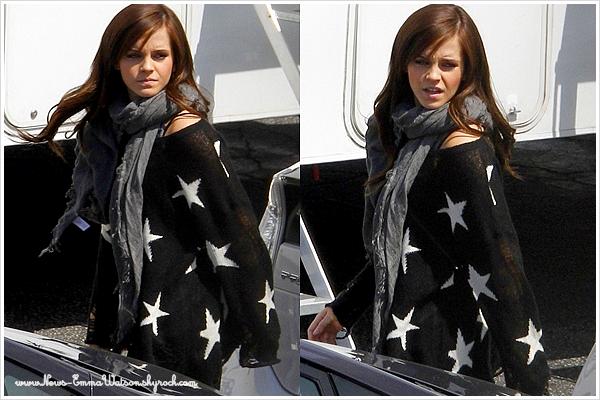 Mardi 27 Mars - Emma en beauté et qui s'amuse, encore et toujours sur le set de The Bling Ring.