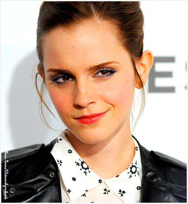 """21-04 : La belle était à la première mondiale de """"Struck by lighting"""" au Festival de Tribeca. Qu'elle est belle!"""