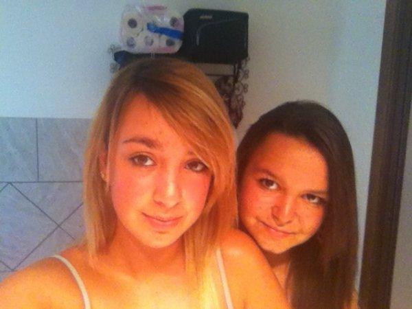 Moi avec ma cousine :)<3