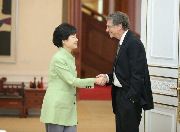 Bill Gates choque la Corée du Sud avec ses mauvaises manières