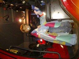 mon loulou dans le camion pompier !