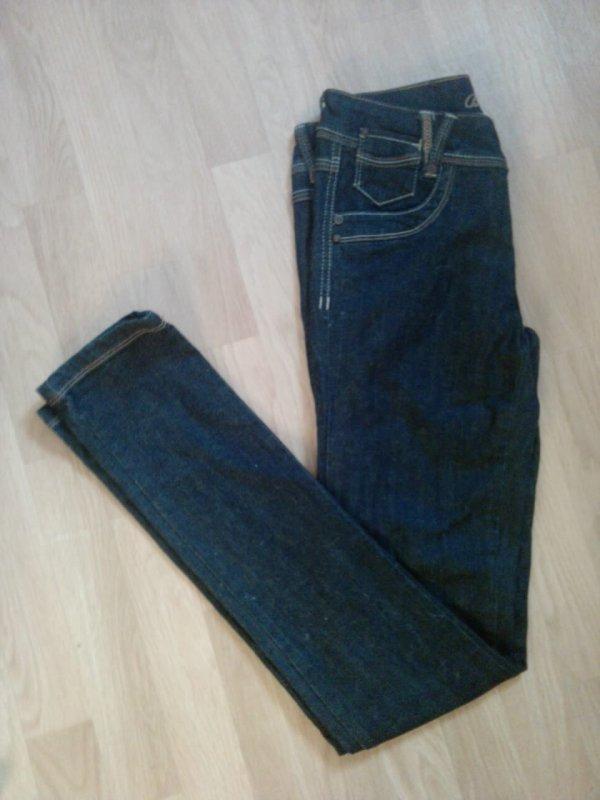 10. Jean