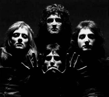 Greatest Hits / Queen - Another one bites the dust (2011)