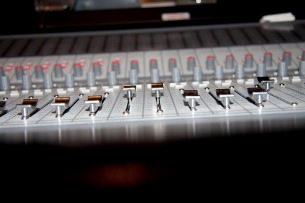> Et c'est là; en écoutant une musique qu'il nous avez fredonner, que tout bascule ...*