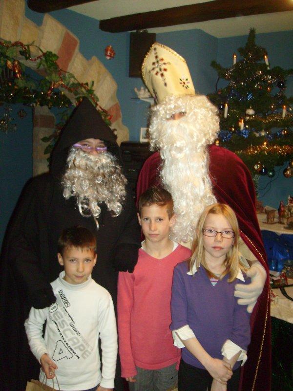 ma fille enzo et marco ses cousins qu elle peut voir c etait a la saint nicolas.Je vous aimes