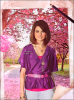 """. Une interview pour Selena Cornett de la part de PurePeople !    ____ Le journaliste Joachim Ohnona s'est déplacé le 26 octobre à 17H15 à Paris dans l'hôtel de Selena 5 étoiles près de l'Arc de Triomphe (la classe!) pour l'interroger sur sa carrière musicale. Plus de profession que de vie privée est donnée dans cette interview. Selly a évoqué la condition à cet interrogatoire : """" Pas de cas Demi Lovato et Miley Cyrus ! """". La jeune star veut apparemment ne pas s'étendre sur le sujet de sa relation avec les deux autres starlettes à succès des écuries Disney. Pourquoi ? Affaire en cours ...    ."""