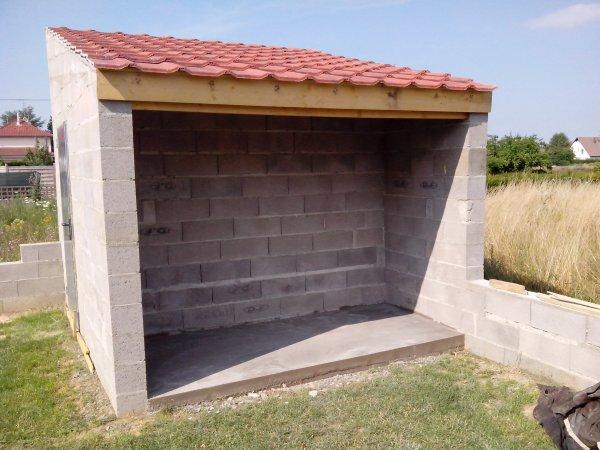 Abri de jardin la toiture construction mikit 68310 for Toiture abri de jardin