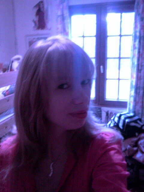 Voici ma nouvelle coiffure j'espere que ça va vous plaire :)