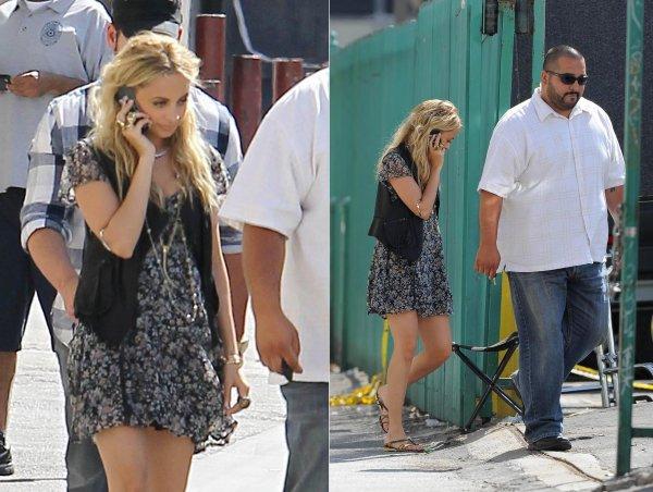 Nicole quittant une séance de photoshoot  |   06 mai