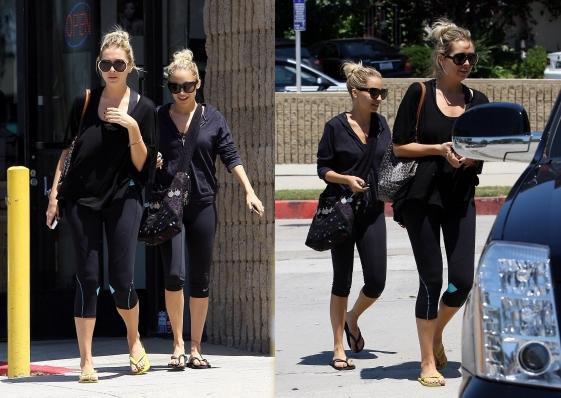 Après son cours de gym Nicole est allée mangé dans un restaurent de Sushi avec son amie Misha Gordon  |   26 juillet