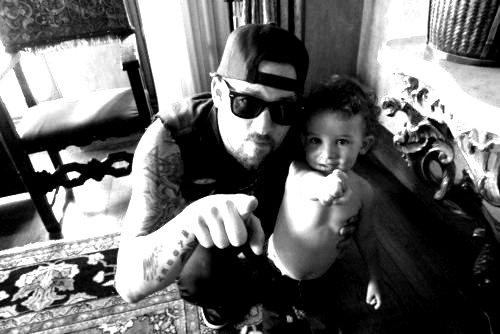 Joel à posté ces photos de lui et les enfants sur son compte Tumblr