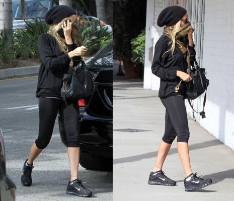 Nicole arrive et quitte son cours de gym à studio city comme d'habitude  |   10 septembre