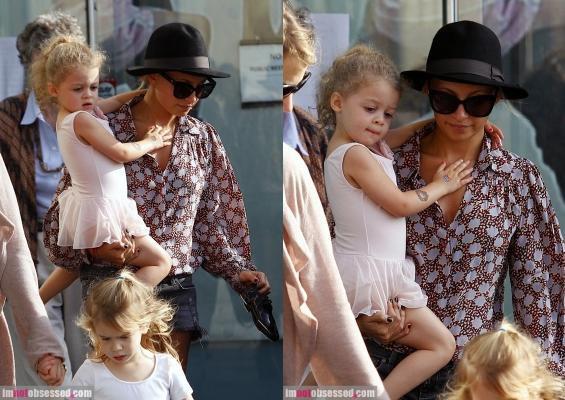 Nicole fait du shopping dans west hollywood  |   28 septembre