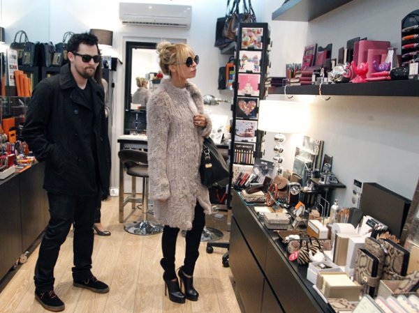 Joel et Nicole ont été vus dans la papéterie de luxe Caractère dans Paris  |   05 octobre