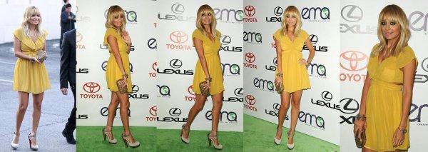 Nicole assiste aux 21e EMA. Elle est magnifique dans sa petite robe jaune  |   15 octobre