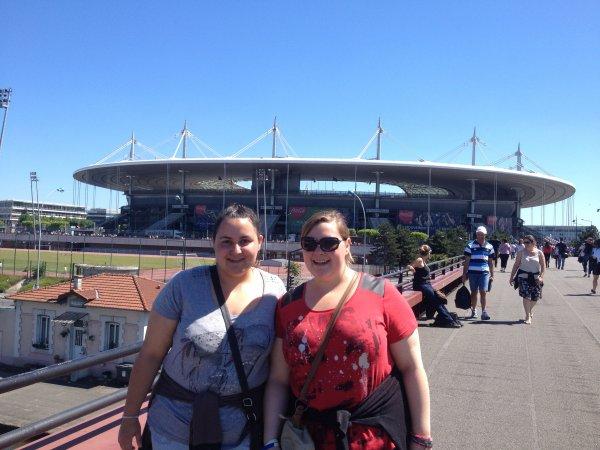 moi et ma s½ur au stade de France pour le concert des one direction