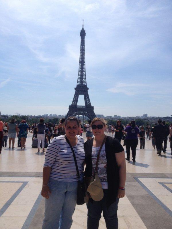 moi et ma s½ur devant la tour Eiffel