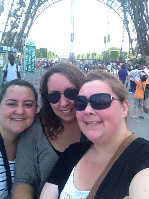 nous trois devant la tour Eiffel