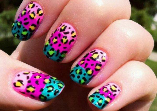 de retour avk plus de nail art !!!