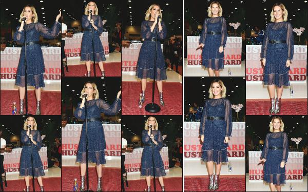 05.02.19 ─ Notre ravissante Ashley Tisdale a performé lors du « Fashion Go's Opening Night »  situé à Las Vegas.C'est donc une Ashley souriante et ravissante dans cette robe bleue que nous pouvons voir sur ses photos, j'adore clairement la voir si heureuse, un top !