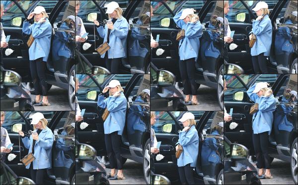 26.02.19 ─  Notre belle Ashley Tisdale est aperçue ce jour là alors qu'elle quittait son véhicule dans Los Angeles !Comme à son habitude, notre belle Ashley Tisdale est souriante et toujours avec une casquette sur la tête, je donne un petit top à l'ensemble de la tenue