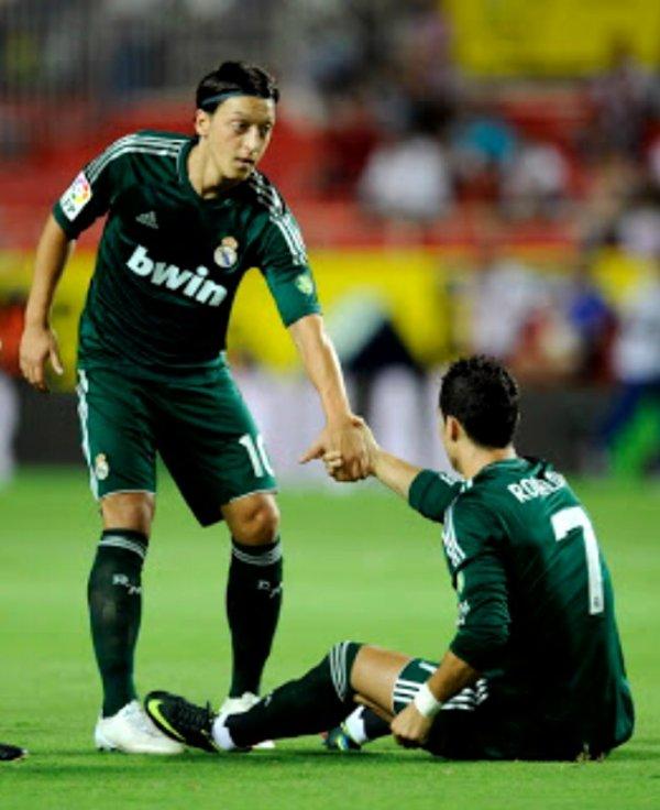 Ronaldo et Ôzil
