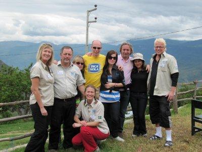 """L'équipe de Vision for All au grand complet avec Annie, mon ami belge """"El Vecino"""" et moi-même"""