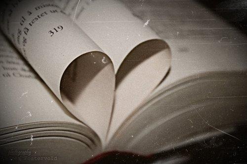 Il y a des gens dont le regard vous améliore. C'est très rare, mais quand on les trouve, il ne faut pas les laisser partir ...