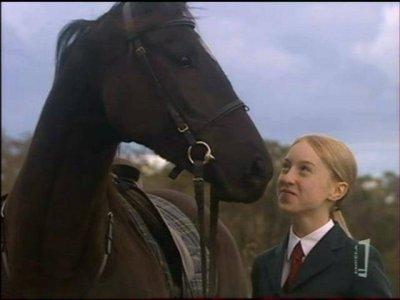 Voici Sophie qui joue Stephanie dans la Saison 1 et 2 <3