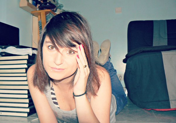J'ai essayé, essayé de t'oublier, de me dire que toi et moi ne formeront jamais de nous, mais j'y arrive pas, c'est trop dur! JE T'AIME BORDEL!!!