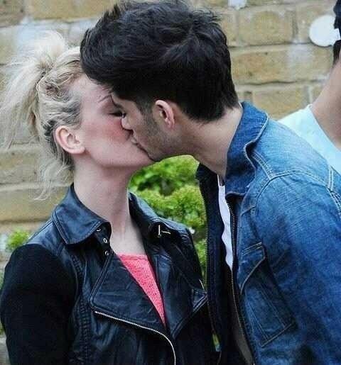 Les couples 1D♥ :D