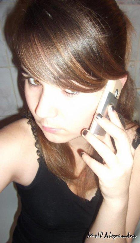>> Mell'Alexandra >> Moi <<