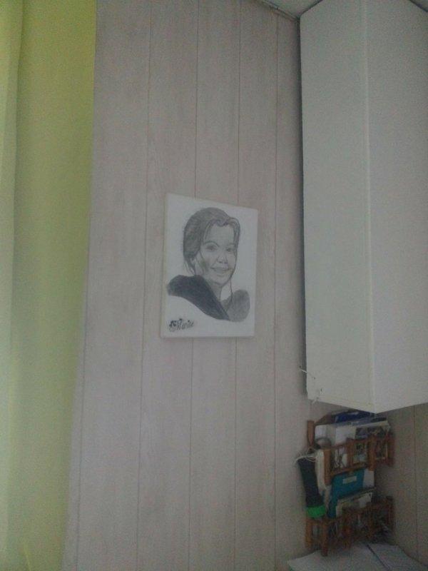 peinture des plafonds et papier peint salon et cuisine fait cool trop aux bras